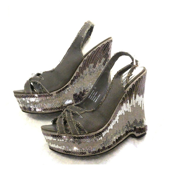 2cad6c995edc Buckle Shoes - Size 7 Sequin Wedges